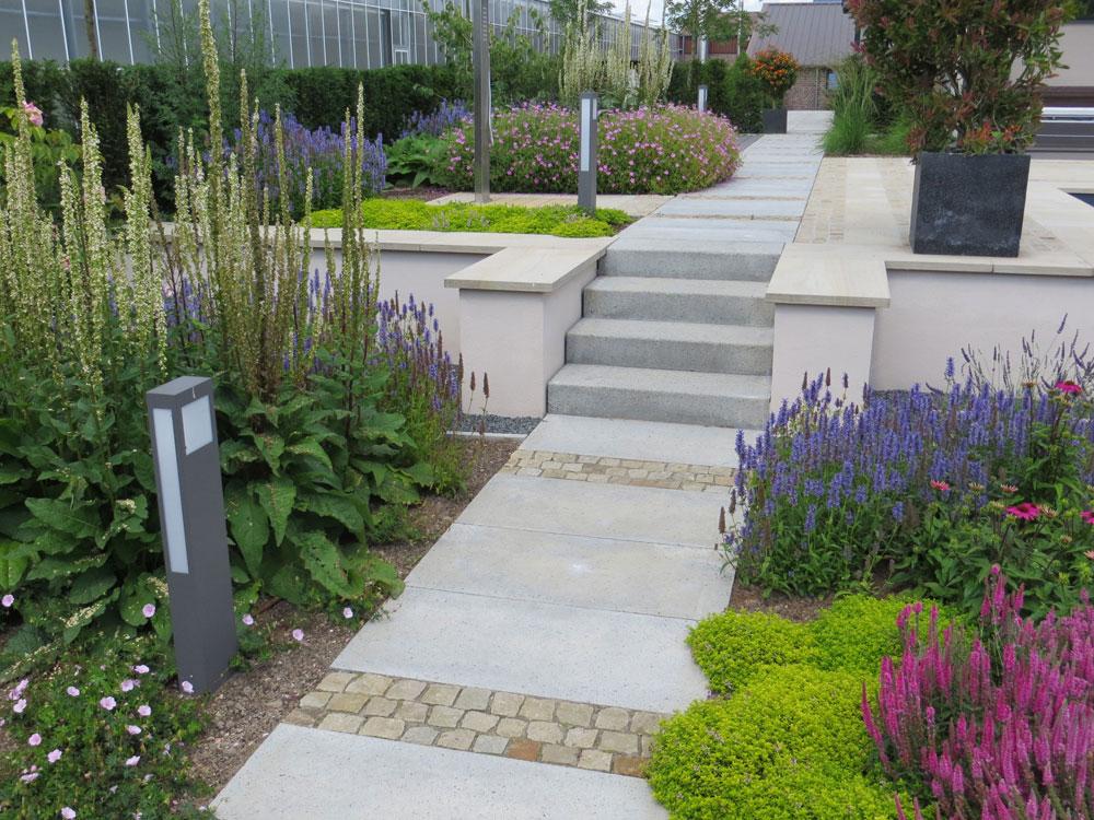 Gartengestaltung: 08 Wassergarten Freiformat Sandstein im Garten