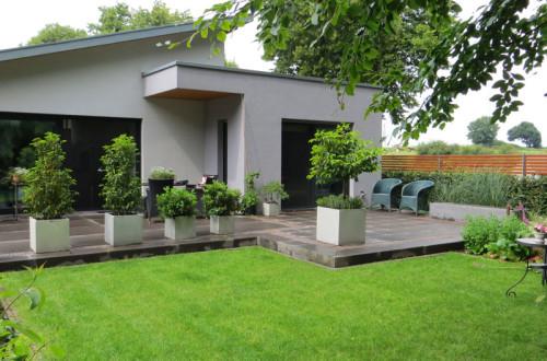 Freiformat, Projekt 02, Moderner Garten, Blick auf die Terrasse