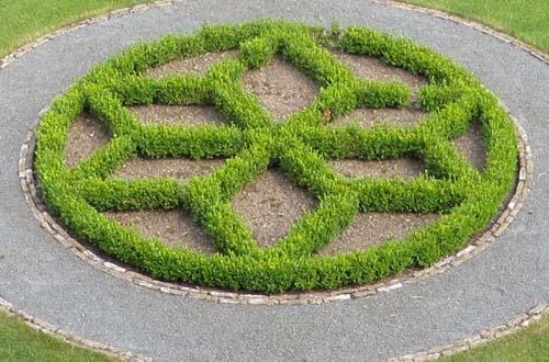 Gärten von Freiformat, Projekt 06 Niederrheinischer Bauerngarten, Kalkar, Buchswappen
